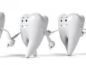 固齿的方法:排便时紧咬牙关,使牙根更加牢固