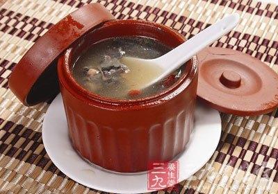 加清水适量于锅用猛火烧沸