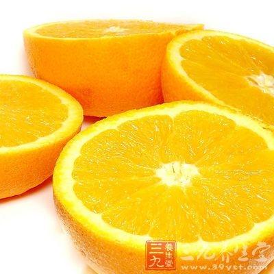 一个中等大小的橙子可以提供人一天所需的维生素C