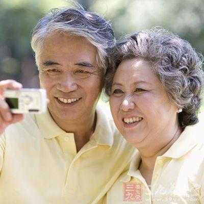 尿路结石与尿液中的钙、磷增多有密切关系