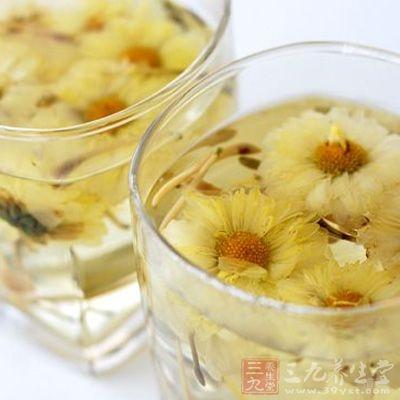 菊花茶有刺激胃酸分泌,加重咽喉炎症的作用