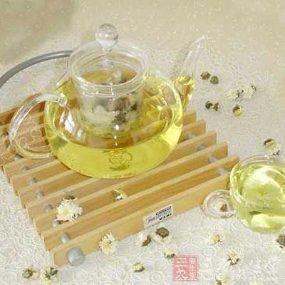 菊花茶富含维生素及铁、锌、铜、硒等微量元素