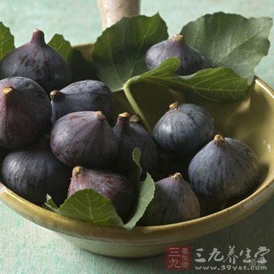 夏秋季摘取未成熟青色无花果,放于沸水内烫过,立即捞起,晒干或烘干