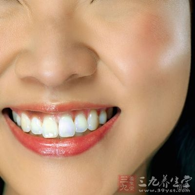 如果暂时不方便调理肾,那么我们可以先坚固牙齿