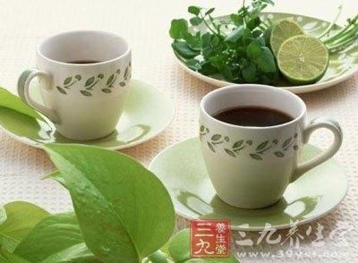 把丝瓜汁温热后饮下