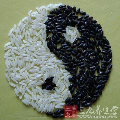 黑米和紫米都是稻米中的珍贵品种,属于糯米类