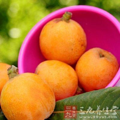 枇杷能刺激消化腺分泌、对增进食欲、帮助消化吸收、止渴解暑有很好的作用