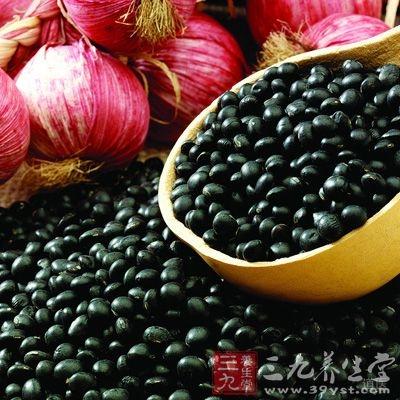 豆被古人誉为肾之谷,黑豆味甘性平