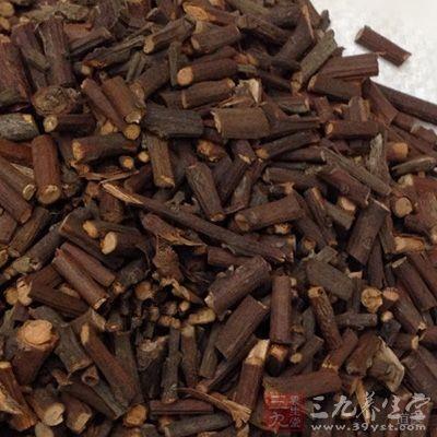 《普济方》附子用二两,大枣四十铢,无猪椒叶根皮,用猪椒、桑白皮各一升