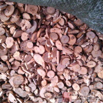 桂枝茯苓丸,以桂枝、茯苓、牡丹、桃仁为主要原料制成