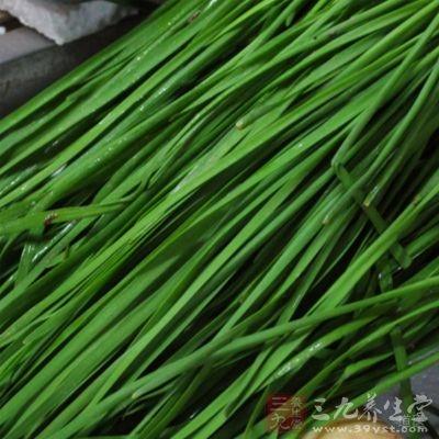 腰痛脚弱:韭菜子,研粉,每服10克,开水送服。有补肾强腰之功