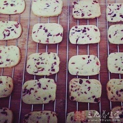 饼干、麦片等食物含糖量高