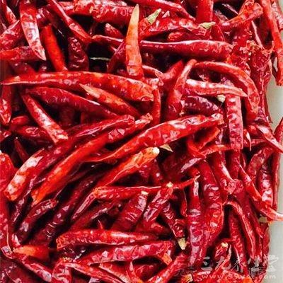 应该尽量少吃辣椒