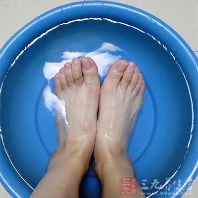 每天都用温水进行洗脚