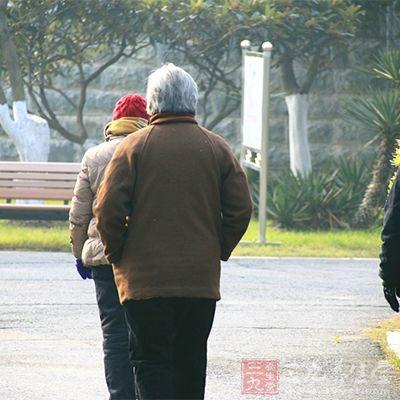 中风多数发生于50岁以上的中老年人
