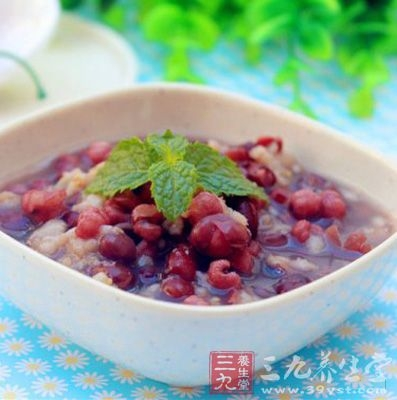 吃薏米红豆粥能够滋补羸弱的身体,增长气力