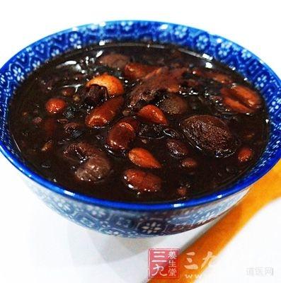 薏米红豆粥具有排毒减肥作用