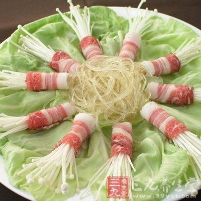 有些媒体说新鲜金针菇有毒,估计有可能是把金针菜(黄花菜)当作金针菇