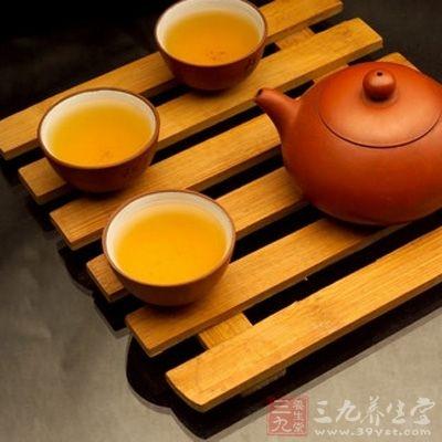 姜苏茶有疏风散寒、理气和胃之功,适用于风寒感冒、头痛发热或恶心、呕吐、胃痛腹胀等肠胃不适型感冒
