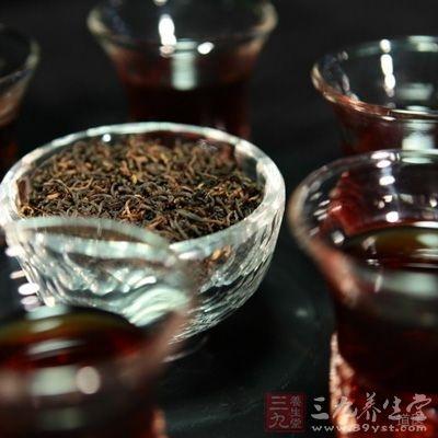 黑茶:味甘性温润,有生津止渴、消食化痰、暖胃润肠、清热祛湿作用,并能消脂减肥