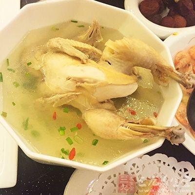 孕妇在感冒期间喝鸡汤能减轻感冒流鼻涕