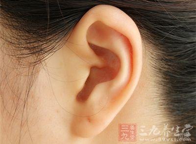 耳居头面,风邪易侵犯上部器官