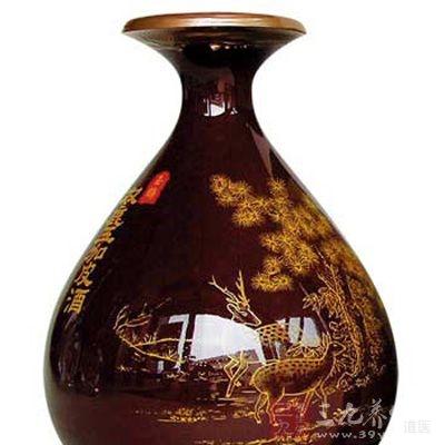 泡药酒的器皿一定要选择陶坛或者玻璃器皿