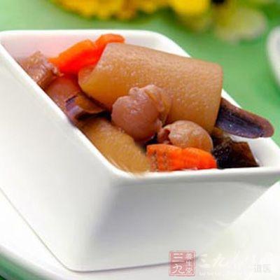 灵芝木耳猪皮汤