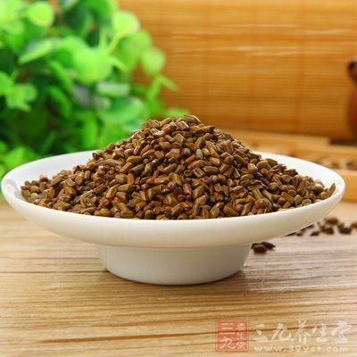 炒决明子10一15克,蜂蜜20~30克