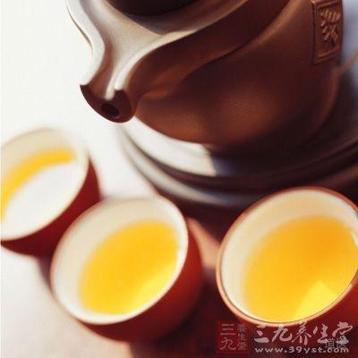老年人饮用决明子茶不仅有助于大便通畅