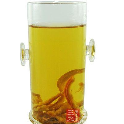 作为一味理气健胃化痰的常用中药,用它泡水饮用,能清热、化痰、去燥