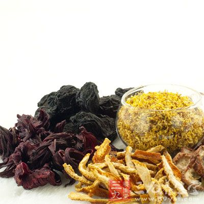 陈皮有一定的燥湿作用,气虚、燥咳、有胃火的人不宜多食用