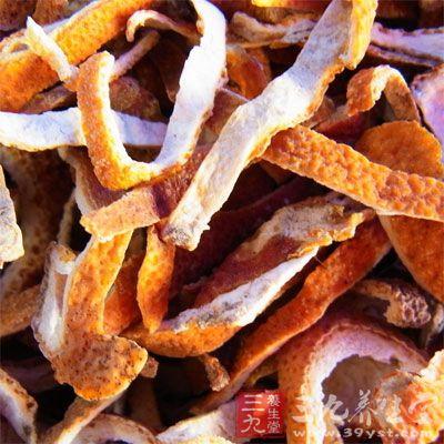 陈皮能够解鱼虾海鲜的毒素。可以在烹饪鱼虾时加入一些陈皮去除毒素