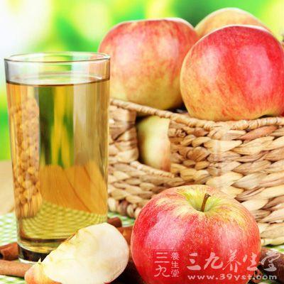 苹果汁减肥法非常简单,但是效果很好