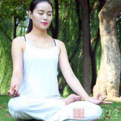 只有呼吸和体式共同修炼,才能发挥出瑜伽动静结合的神奇魔力