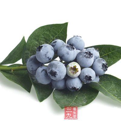 蓝莓中含有的多种维生素、钙、锌、铁、氨基酸