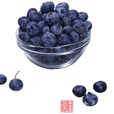市场上购买的蓝莓可用盐水泡