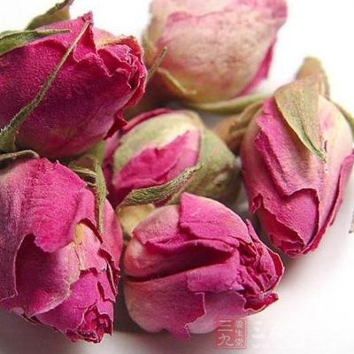 材料:干燥玫瑰花10克