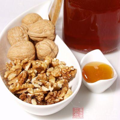 核桃仁蜂蜜茶