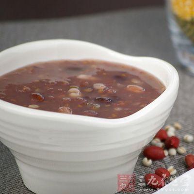 第一天断食,喝生姜红茶2杯(400ml),杂粮粥