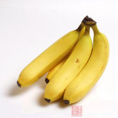 适当的吃些香蕉来补充体力