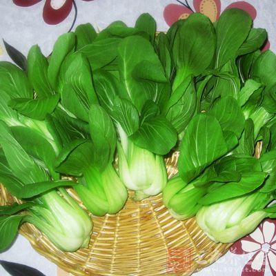 若要有效燃烧体内多馀的脂肪可以搭配一些绿色蔬菜等提高脂肪代谢