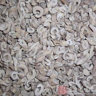 白鲜皮为芸香科白鲜的干燥根皮