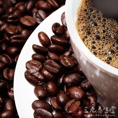 减少咖啡因和酒精的摄入