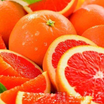 葡萄柚富含维生素C,糖的含量不高,热量低==
