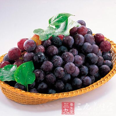 葡萄减肥方法中最受各位MM青睐的要数一周葡萄减肥法