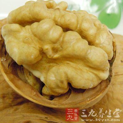 核桃作为一种坚果是备受人们喜爱的零食