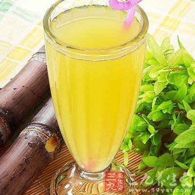 """甘蔗的含铁量在各种水果中,雄踞""""冠军""""宝座,具有""""补血果""""的美称"""