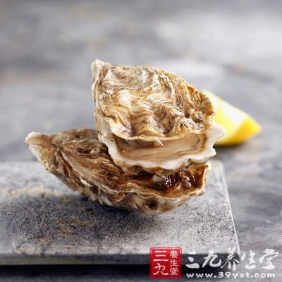 食盐+牡蛎二者钠的比例都较高,在烹调牡蛎时不宜添加太多盐