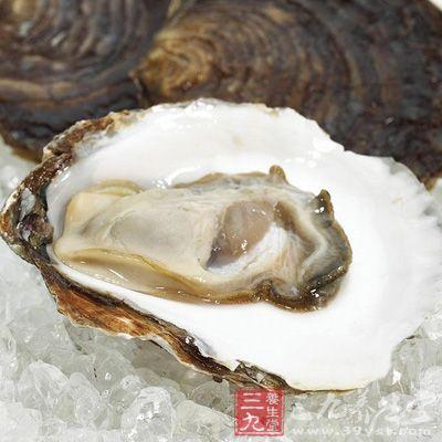 牡蛎捣为粉,粉身,主大人小儿盗汗,和麻黄根、蛇床子、干姜为粉,去阴汗